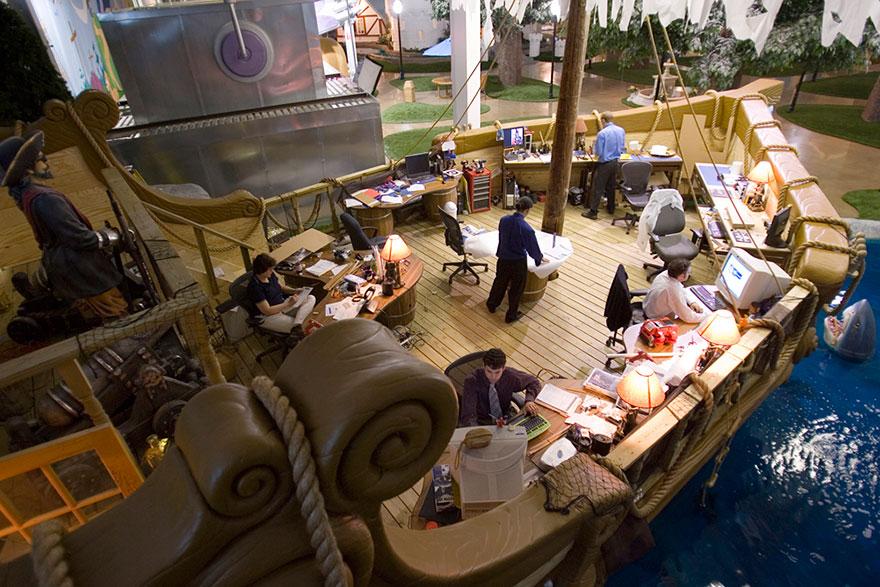 Desain Kantor Paling Keren di Dunia - Desain kantor keren - Inventionland Design Factory 04