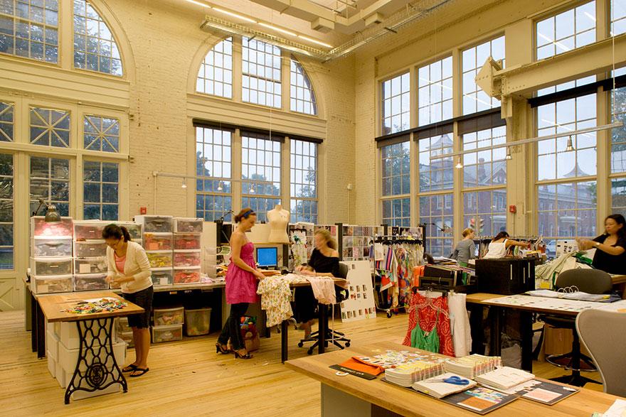 Desain Kantor Paling Keren di Dunia - Desain kantor keren - Urban Outfitters 03