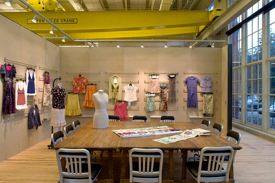 Desain Kantor Paling Keren di Dunia - Desain kantor keren - Urban Outfitters 04