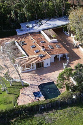 Kate Moss rented mansion 2006 to Elizabeth Taylor