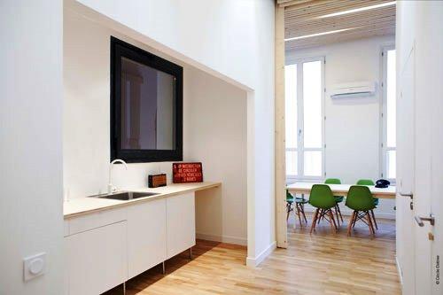 Kontraktor Karawang Jasa Perawatan Gedung dan Kantor - Clean modern office - michael menuet-3