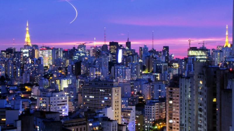 10 Kota dengan Gedung Pencakar Langit Paling Berdampak - Sao_Paulo_Júlio_Boaro