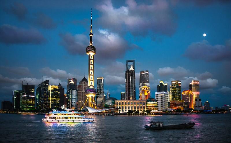 10 Kota dengan Gedung Pencakar Langit Paling Berdampak - Shanghai_Bernd_Thaller