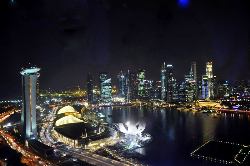 10 Kota dengan Gedung Pencakar Langit Paling Berdampak - Singapore_Eustaquio_Santimano